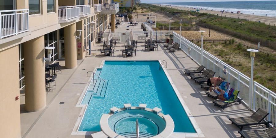 Gateway Grand Pool