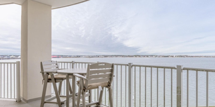 Balcony On The Bay