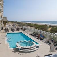 Gateway Outdoor Pool