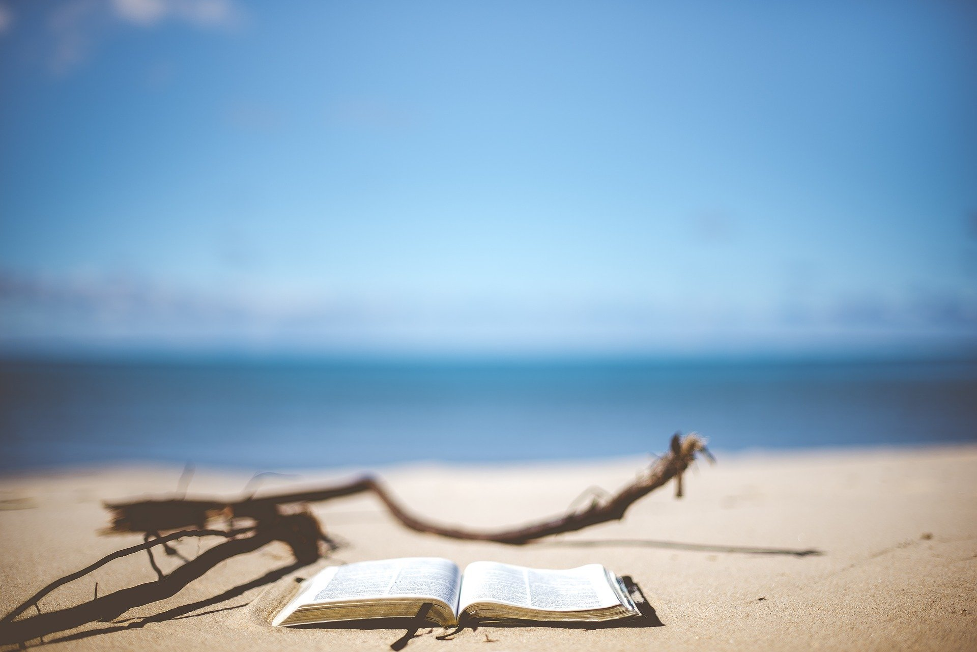 book-on-beach